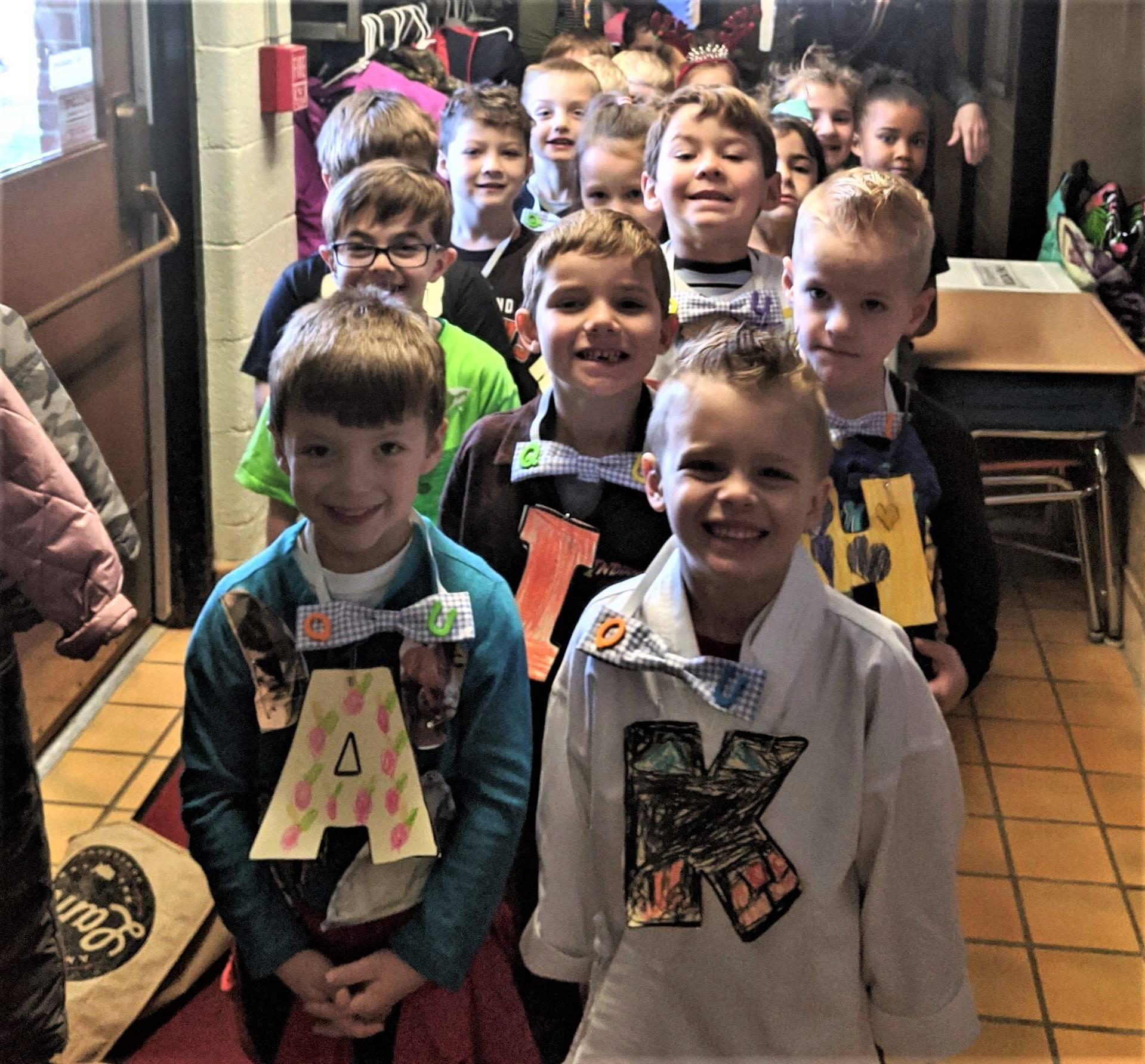 """Mrs. Kingzett's Kindergarten Class Attends Wedding of """"Q"""" and """"U"""""""